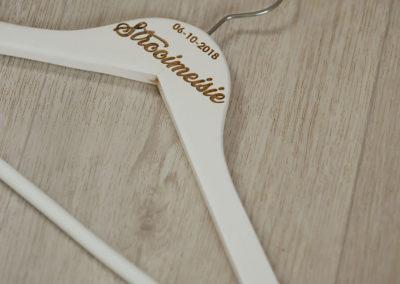 bridesmaid-hanger