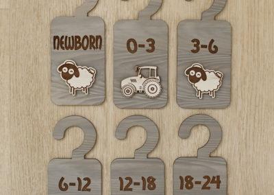 baby-months-divider-hanger3